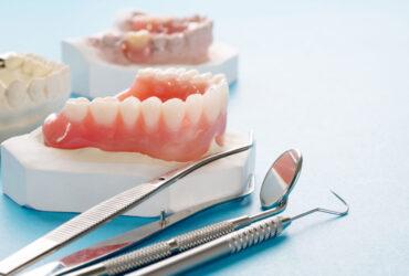Protesi fissa su denti e impianti